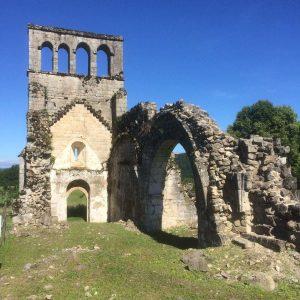 Ruines de l'église de Saint Geniez ô Merle (19) - chantier Socoba